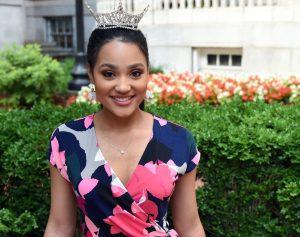 Tiara Pennington wearing the Miss Alabama crown